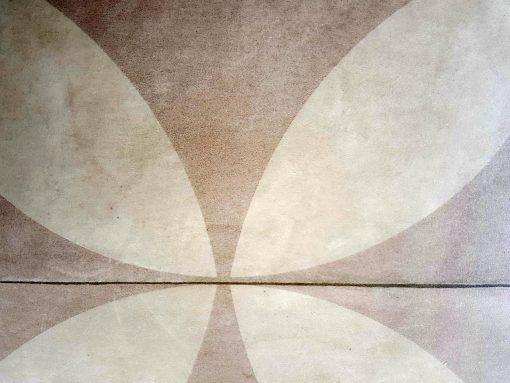 פי וי סי וינטאג' דגם פרח בז'