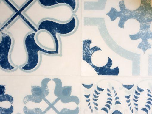 פי וי סי וינטאג' כחול לבן